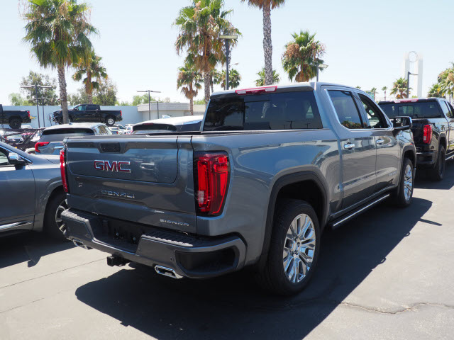 2020 GMC Sierra 1500 Crew Cab 4x4, Pickup #48258 - photo 2