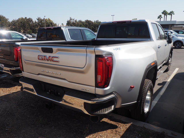 2020 GMC Sierra 3500 Crew Cab 4x4, Pickup #48335 - photo 1