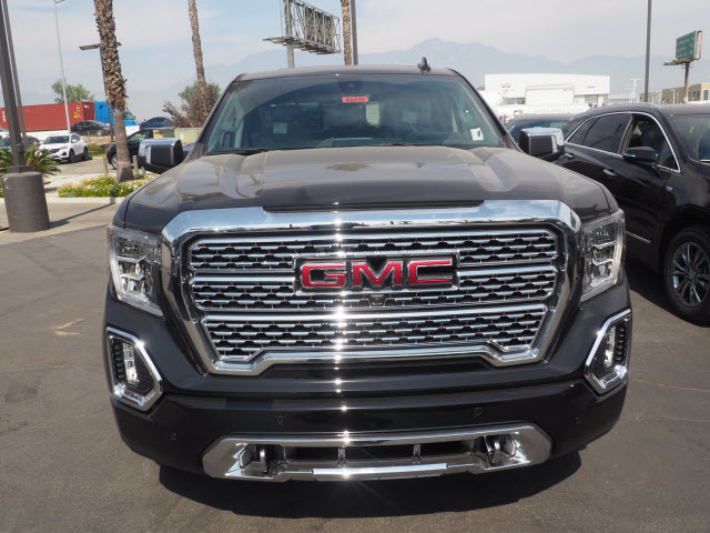 2020 GMC Sierra 1500 Crew Cab 4x4, Pickup #48439 - photo 3