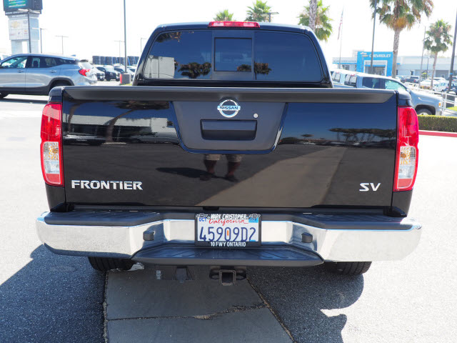 2016 Frontier Crew Cab 4x2,  Pickup #60976A - photo 4