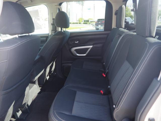 2018 Nissan Titan Crew Cab 4x4, Pickup #64941A - photo 22