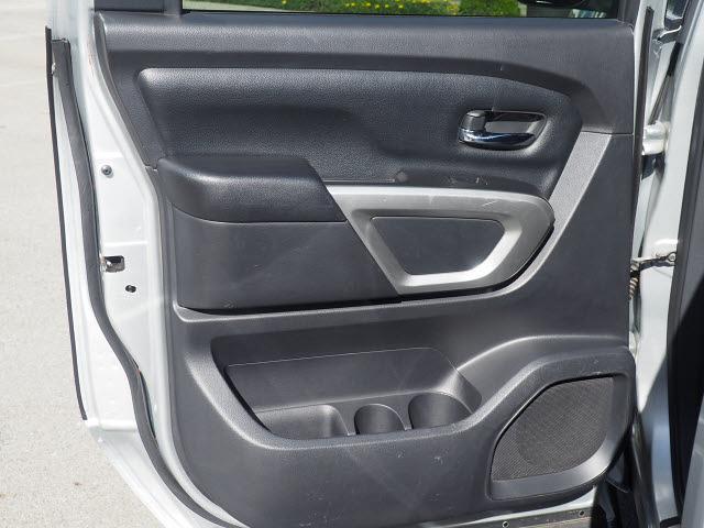 2018 Nissan Titan Crew Cab 4x4, Pickup #64941A - photo 23