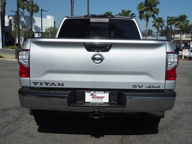 2018 Nissan Titan Crew Cab 4x4, Pickup #64941A - photo 4