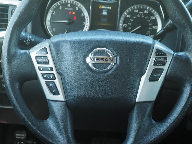 2018 Nissan Titan Crew Cab 4x4, Pickup #64941A - photo 6
