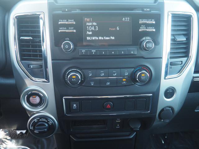 2018 Nissan Titan Crew Cab 4x4, Pickup #64941A - photo 7