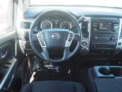 2018 Nissan Titan Crew Cab 4x4, Pickup #64941A - photo 5