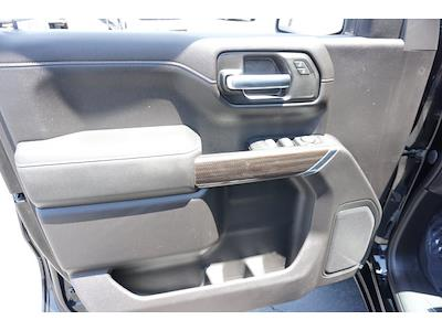2020 Chevrolet Silverado 1500 Crew Cab 4x2, Pickup #1472 - photo 16