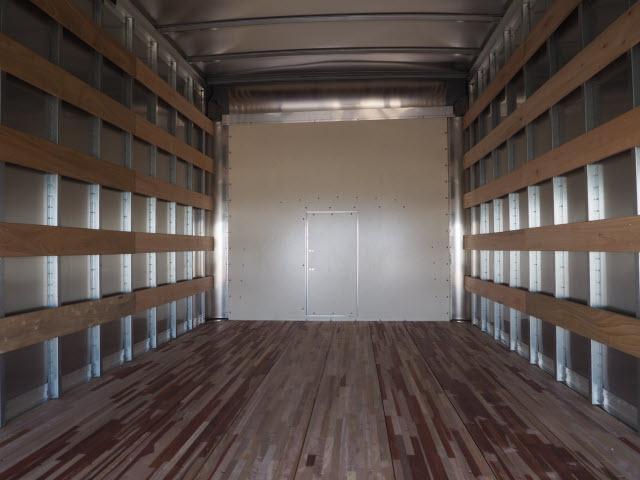2018 Express 4500 4x2,  Morgan Parcel Aluminum Cutaway Van #23655 - photo 10