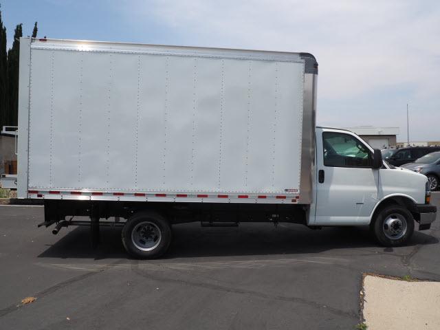 2019 Express 3500 4x2, Morgan Parcel Aluminum Cutaway Van #23716 - photo 5