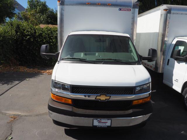 2019 Express 4500 4x2,  Morgan Parcel Aluminum Cutaway Van #23773 - photo 3