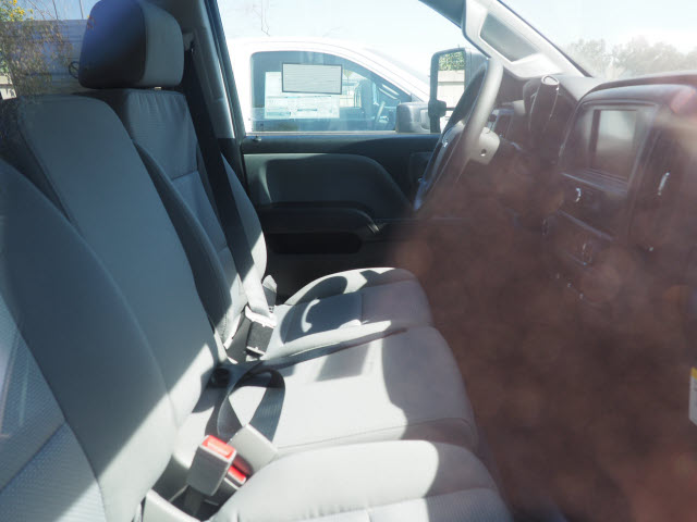 2019 Silverado 2500 Double Cab 4x2, Pickup #23846 - photo 5
