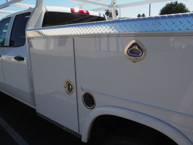 2019 Silverado 2500 Double Cab 4x2, Royal Service Body #23857 - photo 9