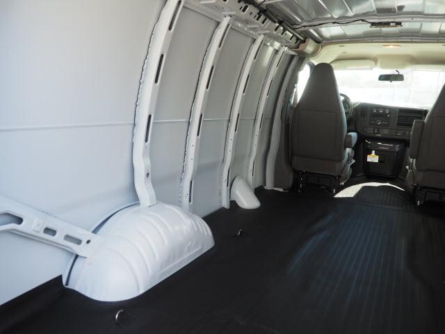 2020 Express 2500 4x2, Empty Cargo Van #23865 - photo 2