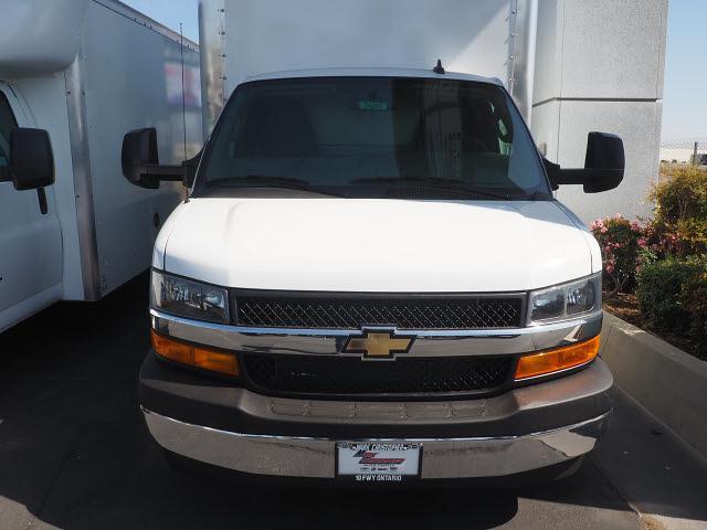 2021 Chevrolet Express 3500 4x2, Morgan Parcel Aluminum Cutaway Van #24289 - photo 3