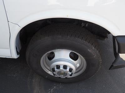 2021 Chevrolet Express 3500 4x2, Morgan Parcel Aluminum Cutaway Van #24289 - photo 4