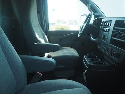 2021 Chevrolet Express 3500 4x2, Morgan Parcel Aluminum Cutaway Van #24289 - photo 5