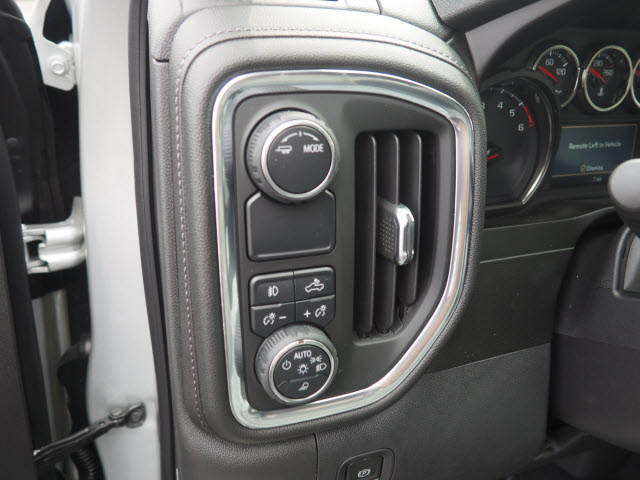 2020 Chevrolet Silverado 1500 Crew Cab 4x2, Pickup #63979 - photo 6