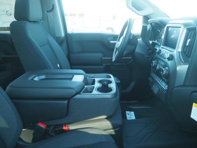 2021 Chevrolet Silverado 1500 Crew Cab 4x2, Pickup #64402 - photo 2