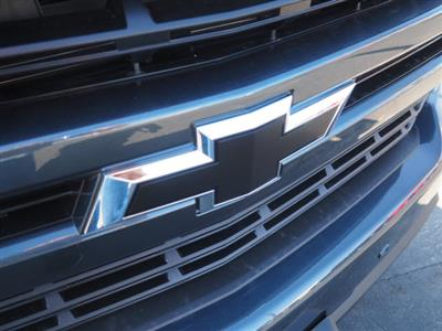 2021 Chevrolet Silverado 1500 Crew Cab 4x2, Pickup #64405 - photo 2