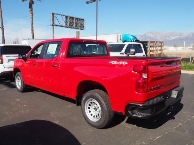 2021 Chevrolet Silverado 1500 Crew Cab 4x4, Pickup #64576 - photo 2