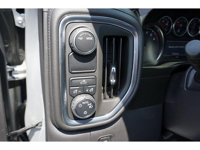 2021 Chevrolet Silverado 1500 Crew Cab 4x2, Pickup #64999 - photo 5