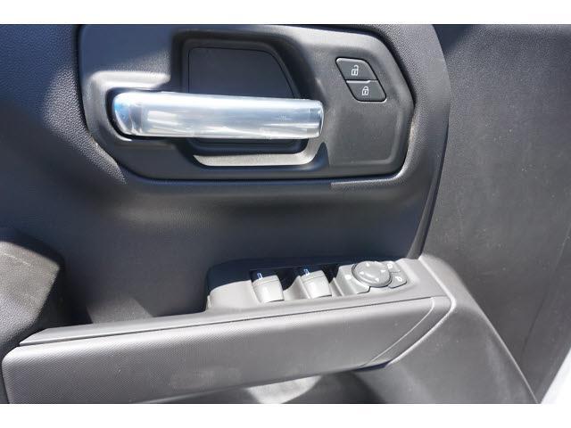 2021 Chevrolet Silverado 1500 Crew Cab 4x4, Pickup #65046 - photo 5