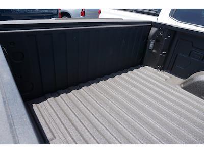 2021 Chevrolet Silverado 1500 Crew Cab 4x4, Pickup #65257 - photo 8