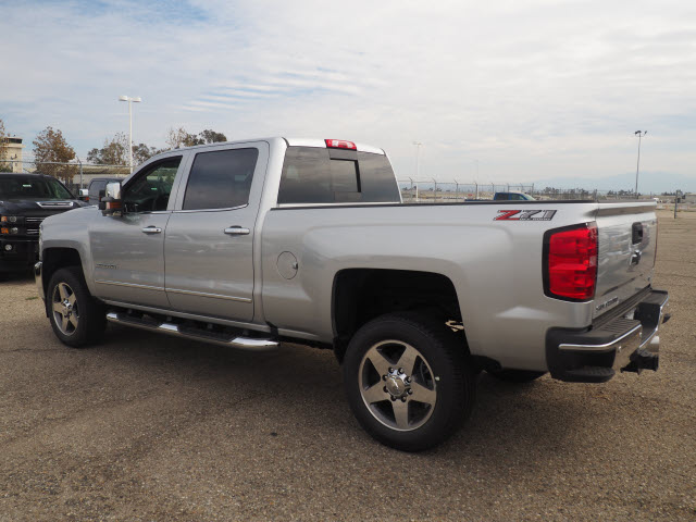 2018 Silverado 2500 Crew Cab 4x4, Pickup #78660 - photo 2