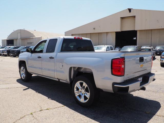2018 Silverado 1500 Double Cab 4x2,  Pickup #79369 - photo 5