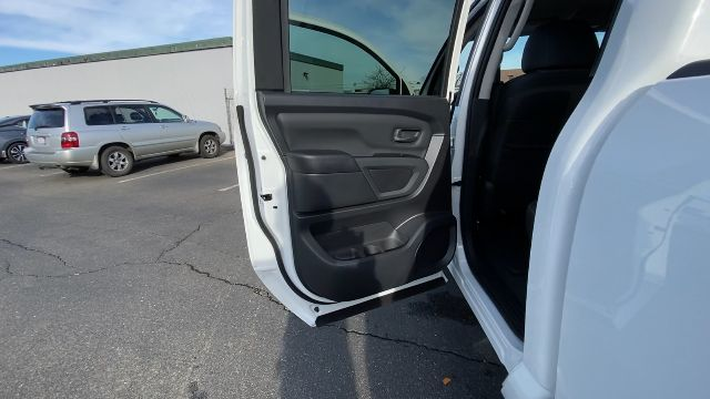 2021 Nissan Titan XD 4x4, Pickup #21N005 - photo 24