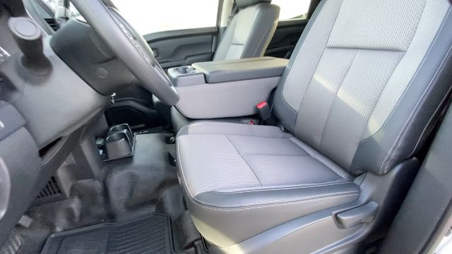 2021 Nissan Titan XD 4x4, Pickup #21N005 - photo 32