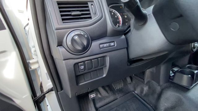 2021 Nissan Titan XD 4x4, Pickup #21N005 - photo 39