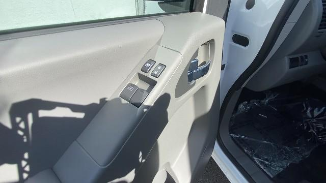 2021 Nissan Frontier 4x2, Pickup #21N089 - photo 30