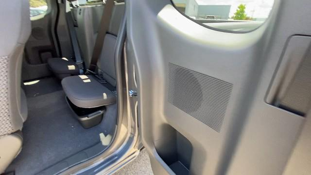 2021 Nissan Frontier 4x2, Pickup #21N228 - photo 24