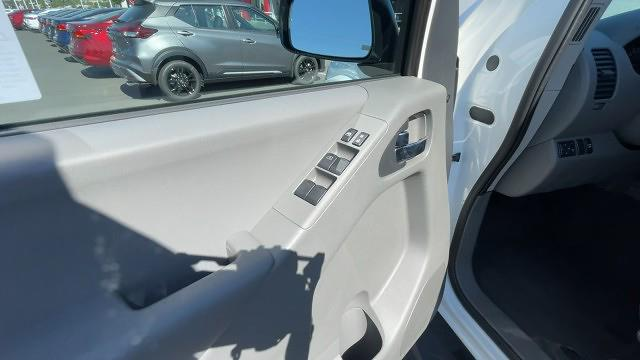 2021 Nissan Frontier 4x2, Pickup #21N282 - photo 26