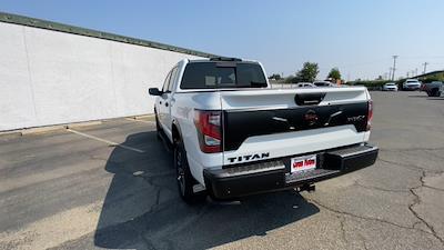 2021 Titan 4x4,  Pickup #21N334 - photo 2