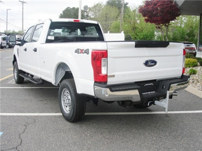 2018 F-350 Crew Cab 4x4, Pickup #G88432 - photo 4