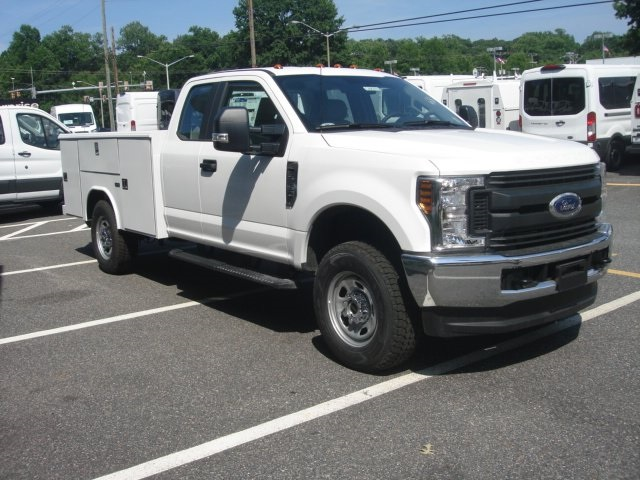 2018 F-350 Super Cab 4x4,  Reading Service Body #G88743 - photo 3