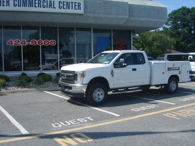 2018 F-350 Super Cab 4x4,  Reading Service Body #G88743 - photo 5