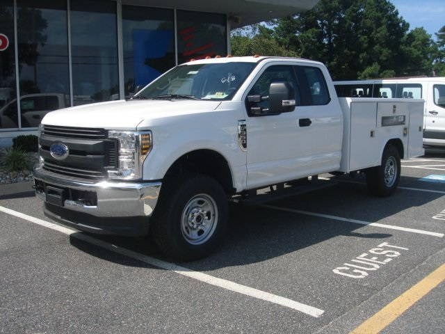 2018 F-350 Super Cab 4x4,  Reading Service Body #G88743 - photo 6