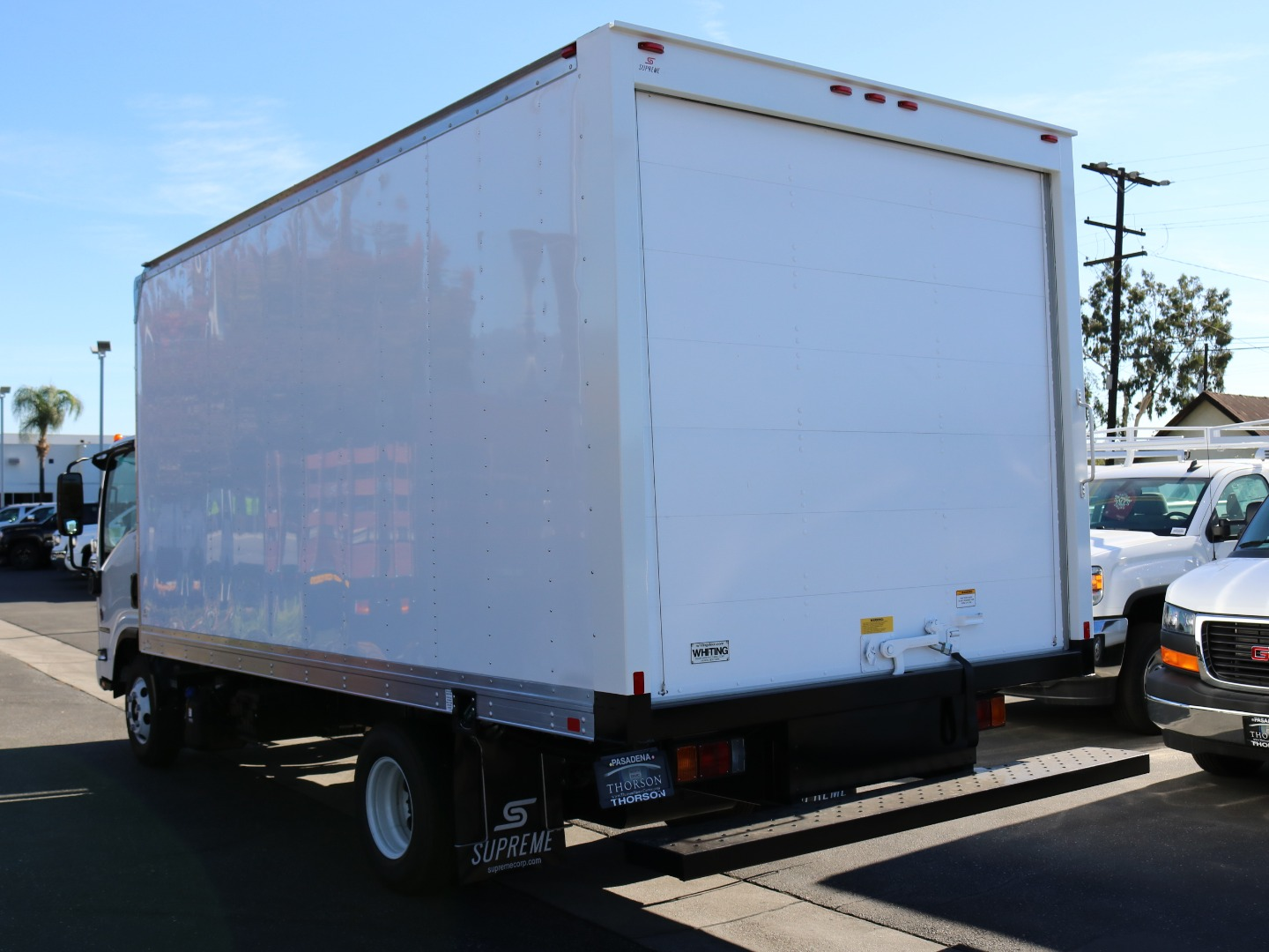 2018 NPR-HD Regular Cab, Supreme Dry Freight #T47150 - photo 2