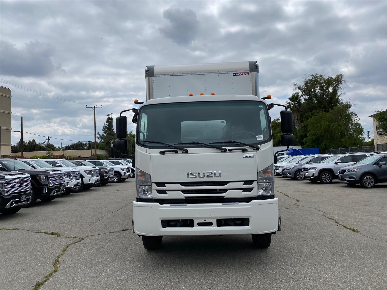 2020 Isuzu FTR Regular Cab 4x2, 24' Aluminum Van Body #T49532 - photo 1