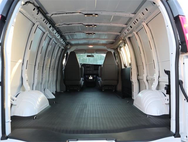 2021 Chevrolet Express 3500 4x2, Empty Cargo Van #C210303 - photo 1
