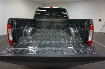 2018 F-250 Crew Cab 4x4,  Pickup #F854740 - photo 25