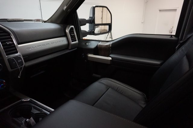 2018 F-250 Crew Cab 4x4, Pickup #F855850 - photo 16