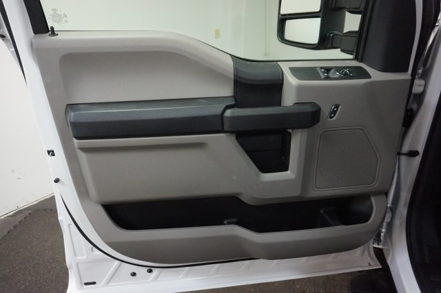 2018 F-250 Regular Cab 4x4,  Service Body #F861590 - photo 26