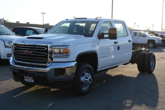 Gmc cab chassis trucks bakersfield ca for Gmc motor city bakersfield