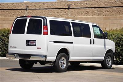 2020 GMC Savana 3500 4x2, Passenger Wagon #G200876 - photo 2