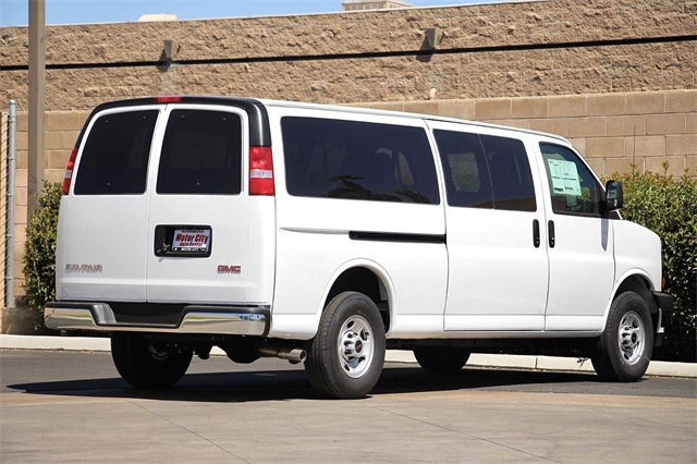 2020 GMC Savana 3500 4x2, Passenger Wagon #G200908 - photo 1