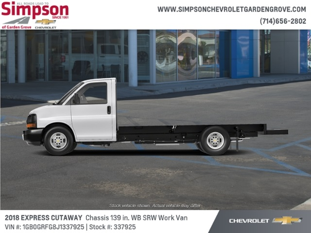 2018 Chevrolet Express 3500 4x2, Cutaway #337925 - photo 1